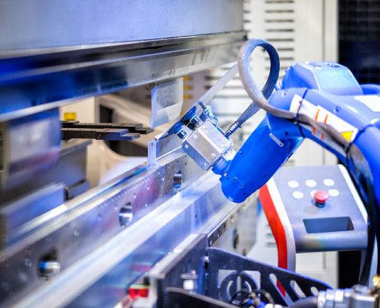 Lavorazione metalli - lavorazioni acciaio inox Treviso - macchinario