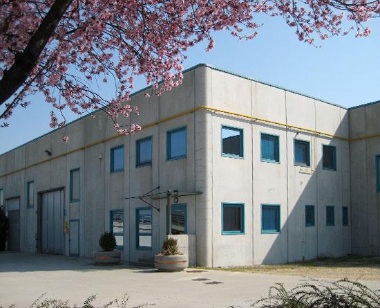 Lavorazioni metalliche - lavorazione acciaio inox Treviso - esterno azienda