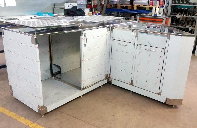 Lavorazione acciaio inox - lavorazione metalli Treviso - mobile in acciaio inox