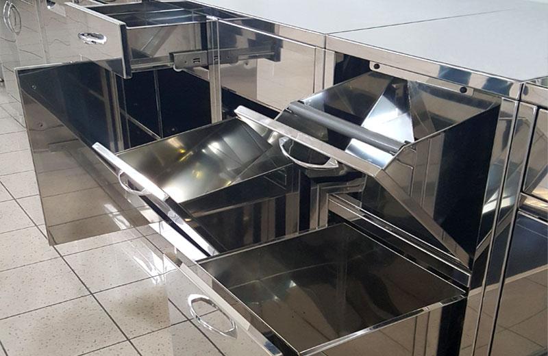 Lavorazioni acciaio inox - lavorazione metalli - cassettone in acciaio inox