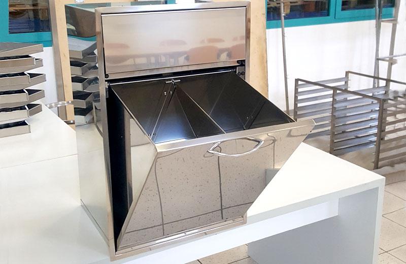 Lavorazione metalli - lavorazione acciaio inox Treviso -tramoggia a due scomparti
