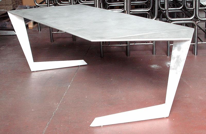Lavorazione acciaio inox - lavorazione metalli Treviso - tavolo di design