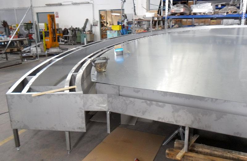 Lavorazione acciaio inox - lavorazione metalli Treviso - struttura acciaio inox circolare