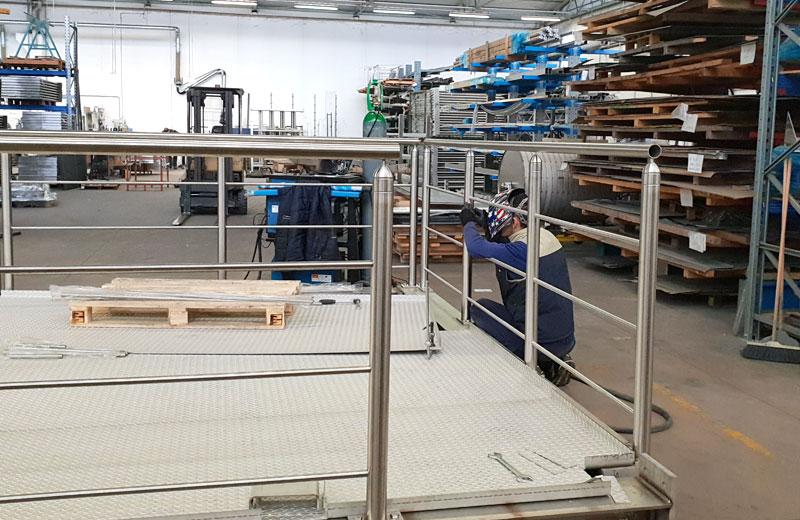 Lavorazione acciaio inox - lavorazione metalli Treviso - soppalco