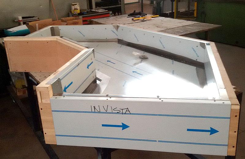 Lavorazioni metalliche - lavorazione acciaio inox Treviso - vetrina refrigerata