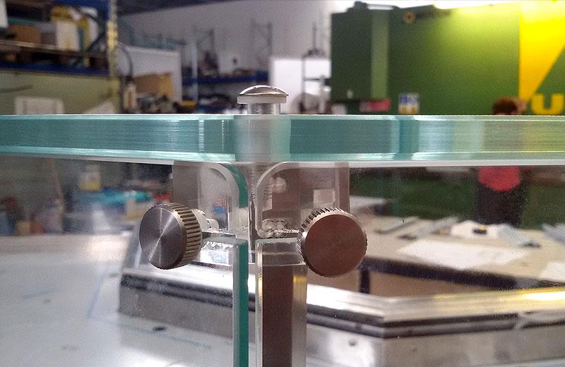 Lavorazioni acciaio inox - lavorazione metalli - vetrina refrigerata