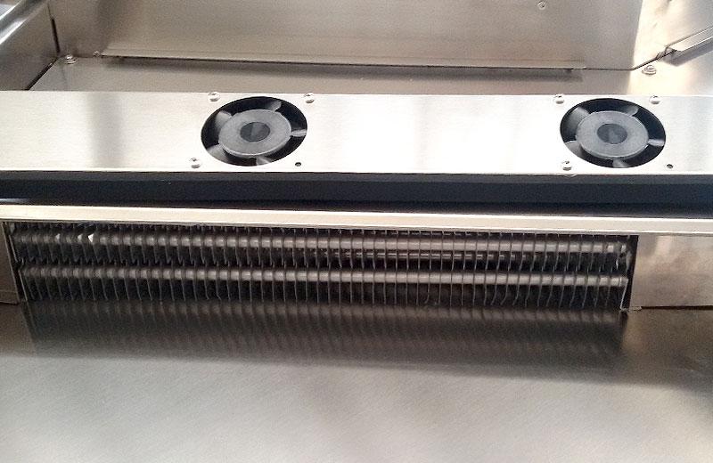 Lavorazione acciaio inox - lavorazione metalli Treviso - vetrina bar refrigerata