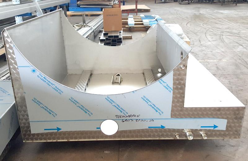 Lavorazione acciaio inox - lavorazione metalli Treviso - supporto per cisterna