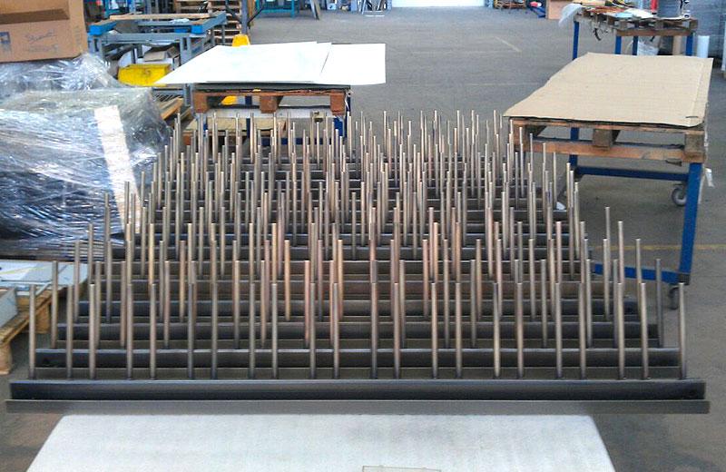 Lavorazione metalli - lavorazione acciaio inox Treviso - rastrelliera interna