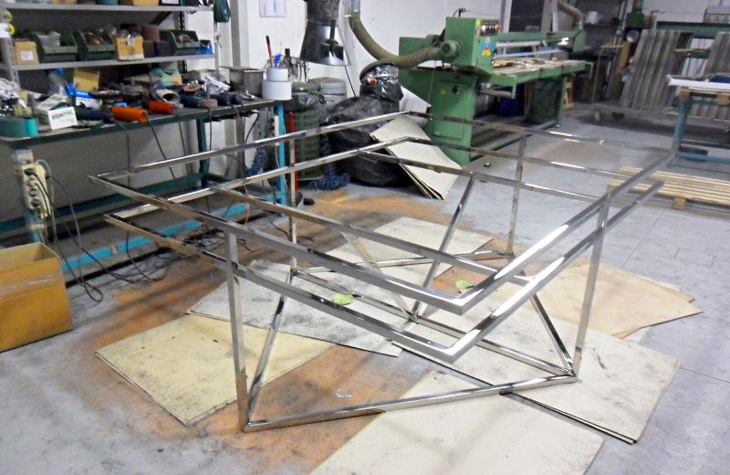 Lavorazione metalli - lavorazione acciaio inox Treviso - tavolo in acciaio inox