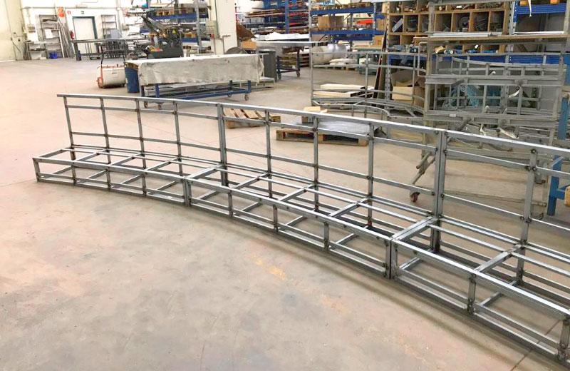 Lavorazione metalli - lavorazioni acciaio inox Treviso - struttura per panche