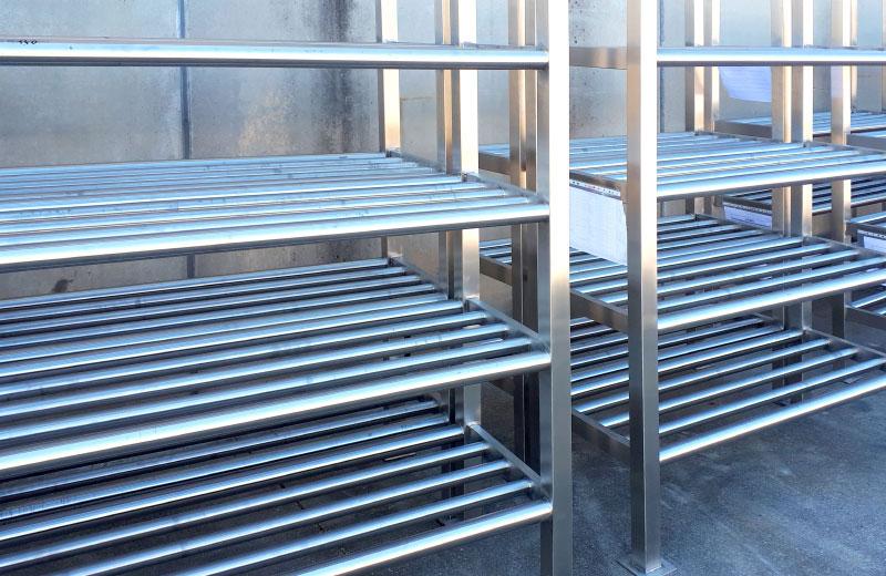 Lavorazione acciaio inox - lavorazione metalli Treviso - scaffalatura