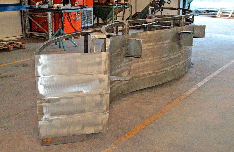 Lavorazione metalli - lavorazioni acciaio inox Treviso - bancone farmacia vista lato