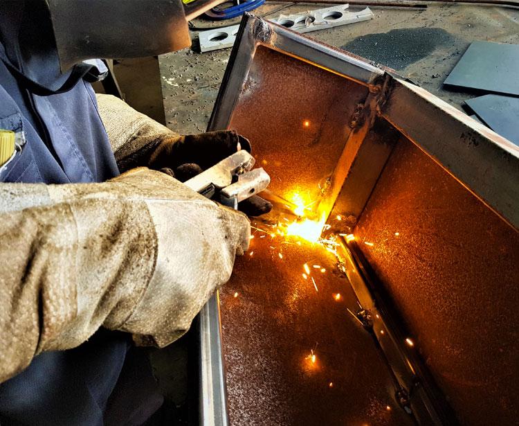 Lavorazioni acciaio inox - lavorazione metalli - saldatura 2